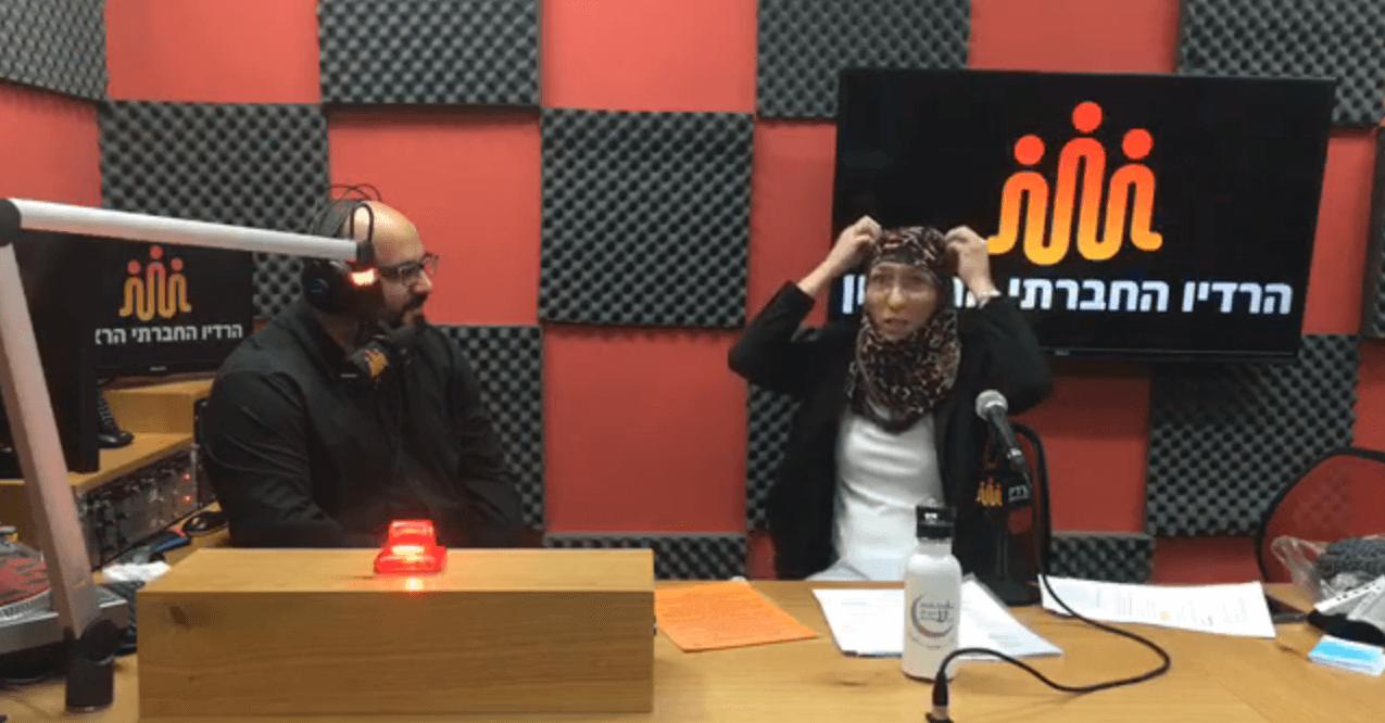 ריאיון ברדיו החברתי הראשון - למה צריך לדעת ערבית, מעמד האישה באסלאם, רעלות וקריקטורות